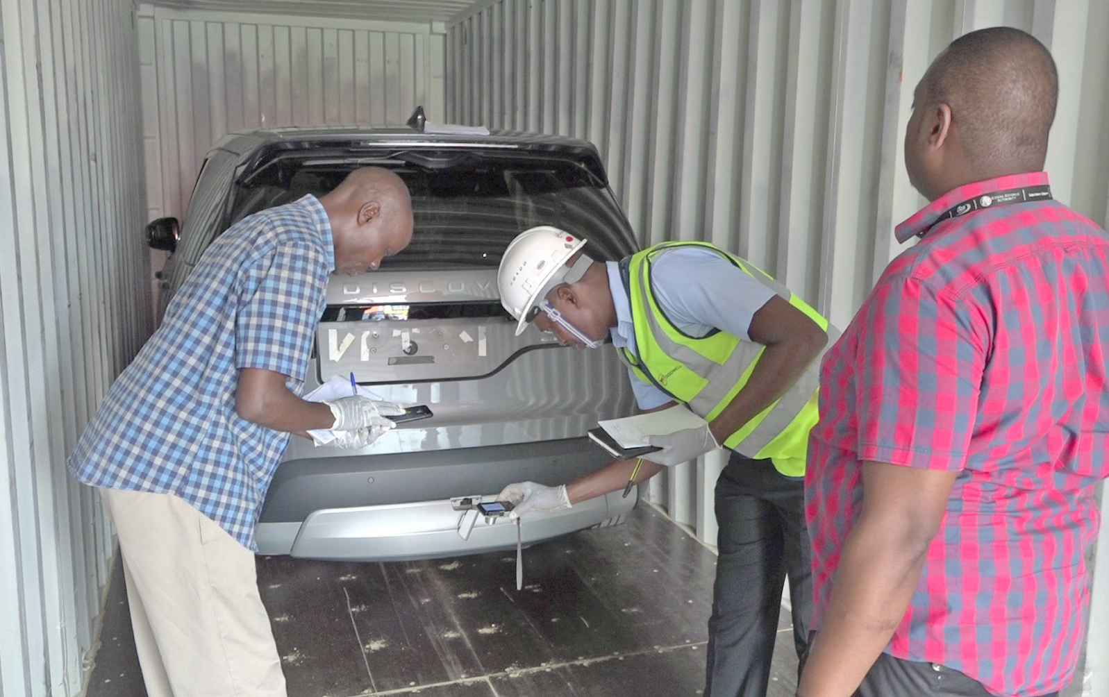 KRA seizes high-end vehicles at Mombasa Port